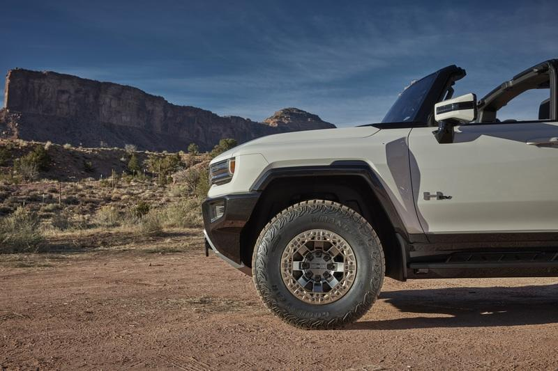 Apparently, People Really Don't Mind Paying $112,00 for the Hummer EV Edition 1