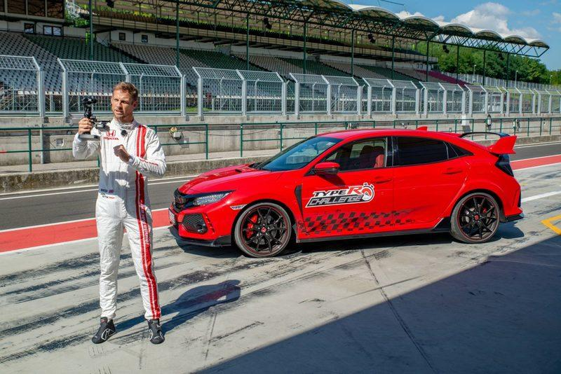 F1 Champion Jenson Button Will Make His British GT Debut at Silverstone Finale - image 942819