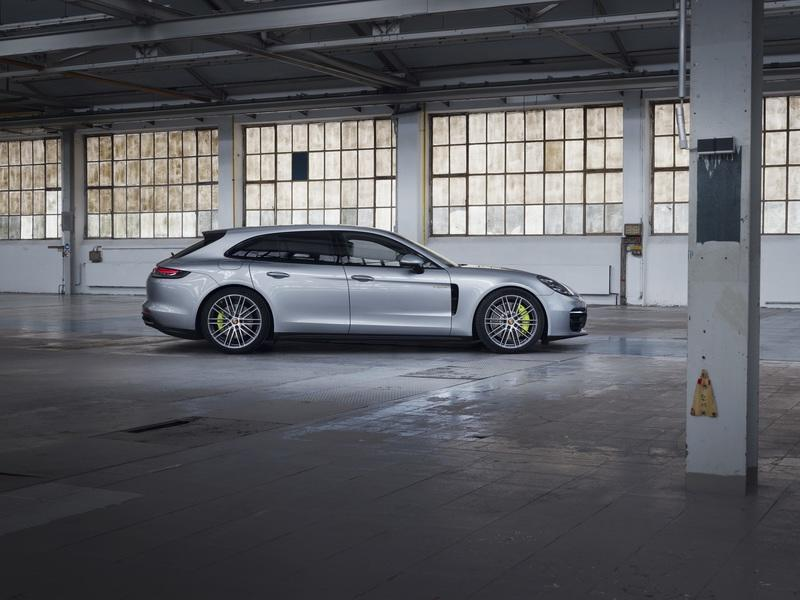 The Porsche Panamera Turbo S E-Hybrid Just Got an Appetizing Boost In Performance