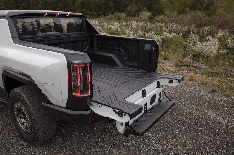 The Coolest Features of the 2022 GMC Hummer EV - image 943292