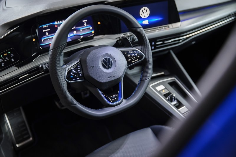 If You Thought the Volkswagen Golf R Was Great Before, The 2022 MK8 Will Blow Your Mind Interior - image 945512