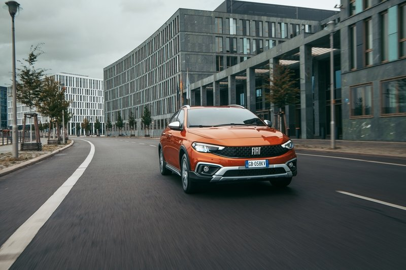 2021 Fiat Tipo Cross Exterior - image 945104