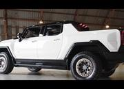 First Video Review of the Hummer EV Reminds US That The Car Doesn't Actually Exist - image 946075