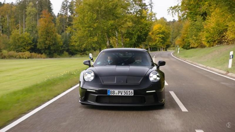 The 2021 Porsche 911 GT3 Debuts Unexpectedly With An N/A Engine And Manual Gearbox