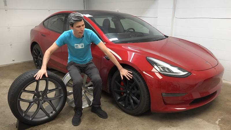 You Might Want to Think Twice About Putting Big Wheels On Your EV