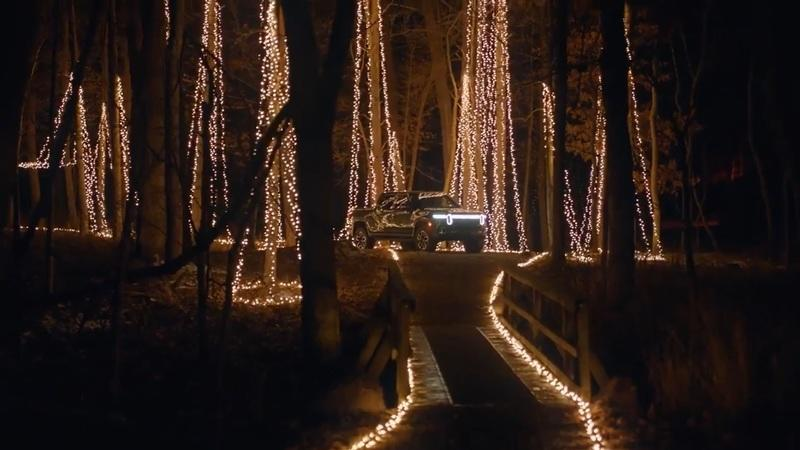 Check Out What The Rivian R1T Can Do With Christmas Lights
