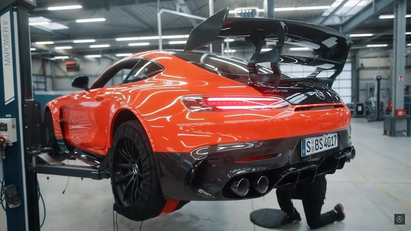 See How Mercedes Set A New Nurburgring Record With The AMG GT Black Series - image 962821
