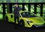 McLaren Artura - The Plug-In Hybrid Supercar Without a Reverse Gear! - image 971464