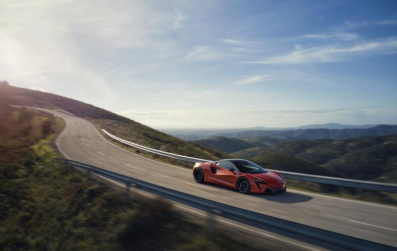 McLaren Artura - The Plug-In Hybrid Supercar Without a Reverse Gear! Exterior Wallpaper quality High Resolution - image 971421