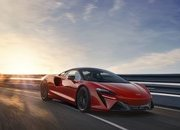 McLaren Artura - The Plug-In Hybrid Supercar Without a Reverse Gear! - image 971425