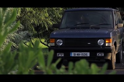 Restoring This Classic Range Rover Required a Ridiculous Amount of Work