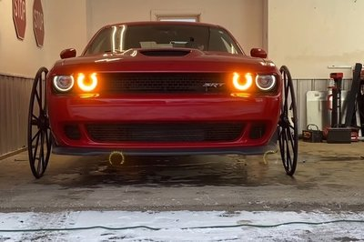 Someone Seriously Put a Dodge Challenger Hellcat On Buggy Wheels