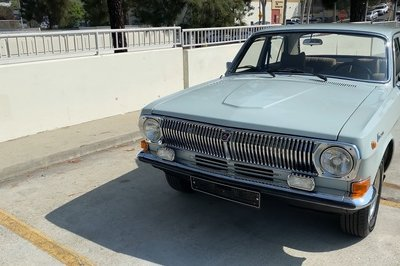 Watch Doug DeMuro Get Schooled in Soviet Cars By a 1988 GAZ 24-10