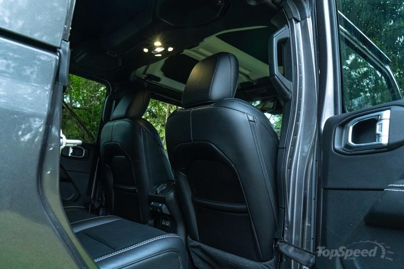 2021 Jeep Gladiator Diesel - Driven Interior - image 975397