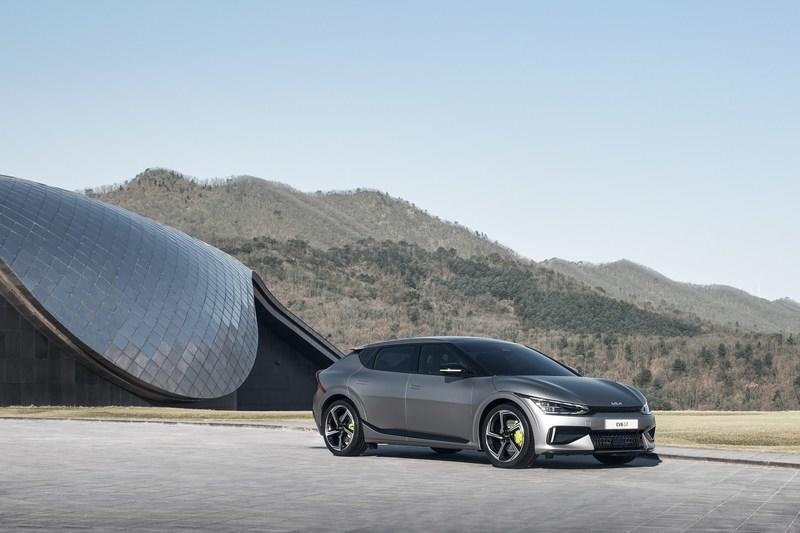 The Kia EV6 Is A Formidable Rival To The Porsche Taycan, Too! Exterior - image 979534