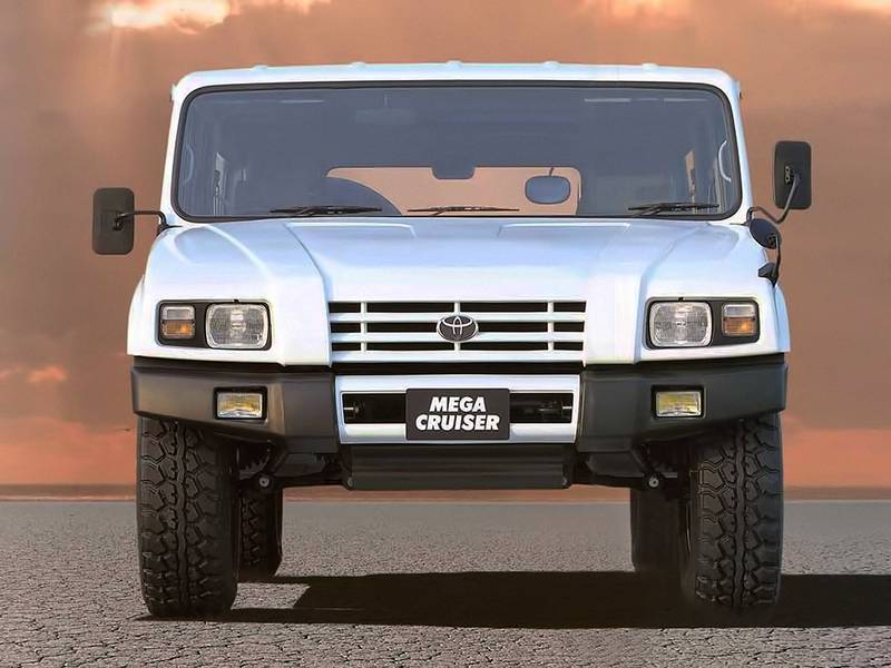 Watch this Civilian Toyota Mega Cruiser in-depth review - image 991413