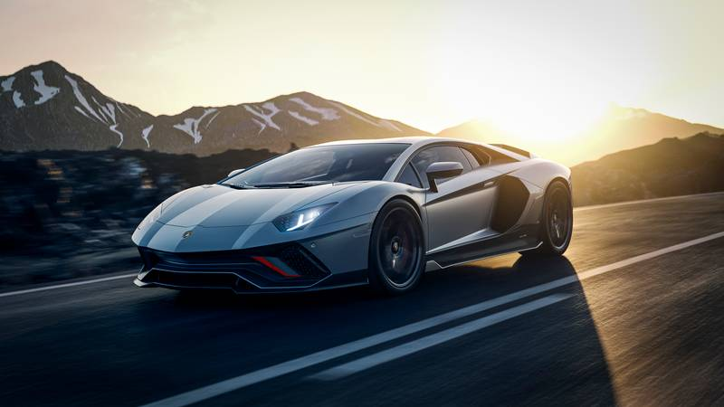 Lamborghini's V-12 Super Hybrid - Infused With Sian DNA and Prepped for a Summer Debut Exterior Wallpaper quality - image 999910