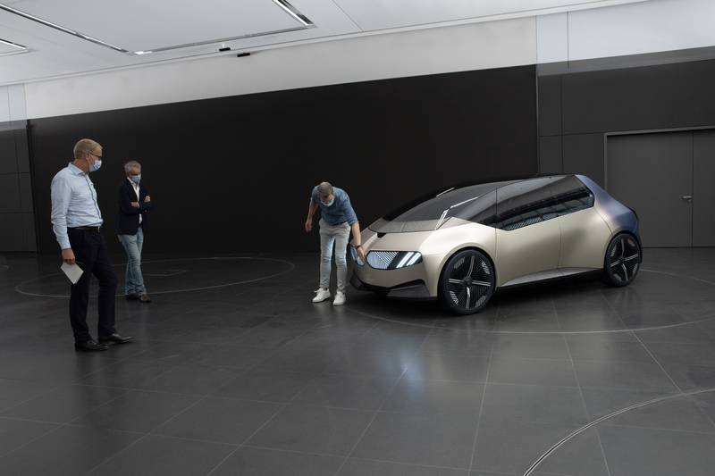 BMW i Vision Circular Concept Is A 100-Percent Recyclable City Car - image 1015176