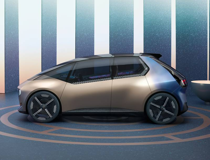 BMW i Vision Circular Concept Is A 100-Percent Recyclable City Car - image 1015196