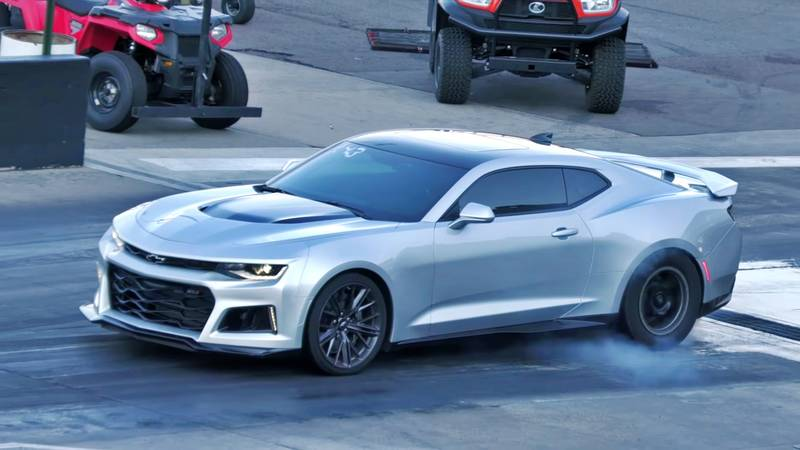 A Chevrolet Camaro ZL1 Takes on the Acura NSX in a Quarter-Mile Drag Races - image 1013980