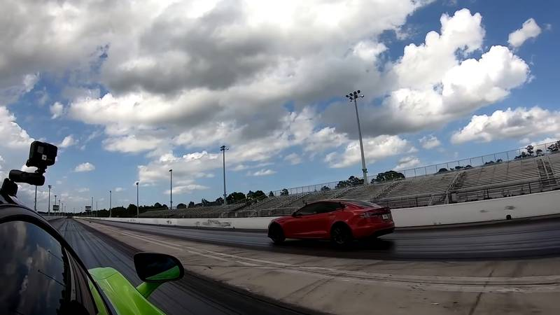 Can The McLaren 765 LT Score An Upset Victory Over The Tesla Model S Plaid On The Drag Strip? - image 1020179