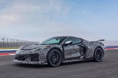 Brace Yourselves: Chevy Has Revealed The First Official Non-Camouflaged Image Of The Corvette Z06! - image 1020673