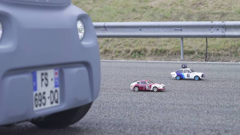 This Is Probably The Slowest Drag Race You Will Ever See! - image 1018531