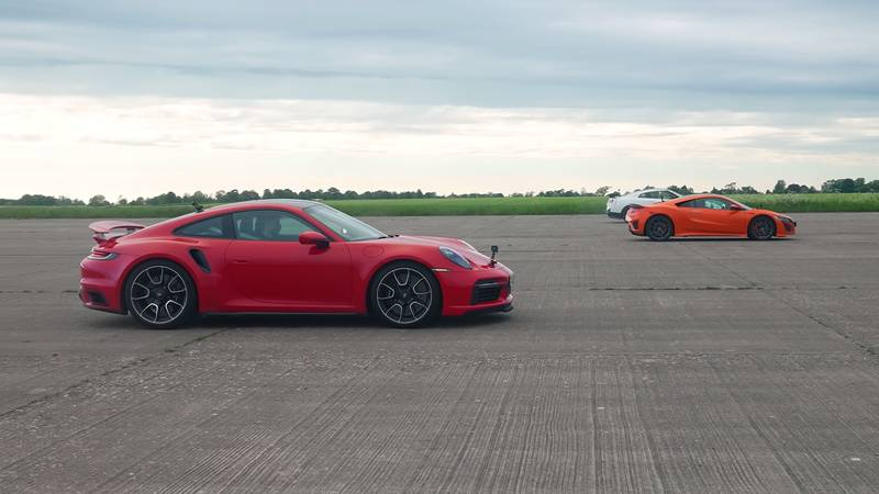 Two Reputed Japanese Sportscars Learn It The Hard Way To Never Mess With The Porsche 911 Turbo S! - image 1018746