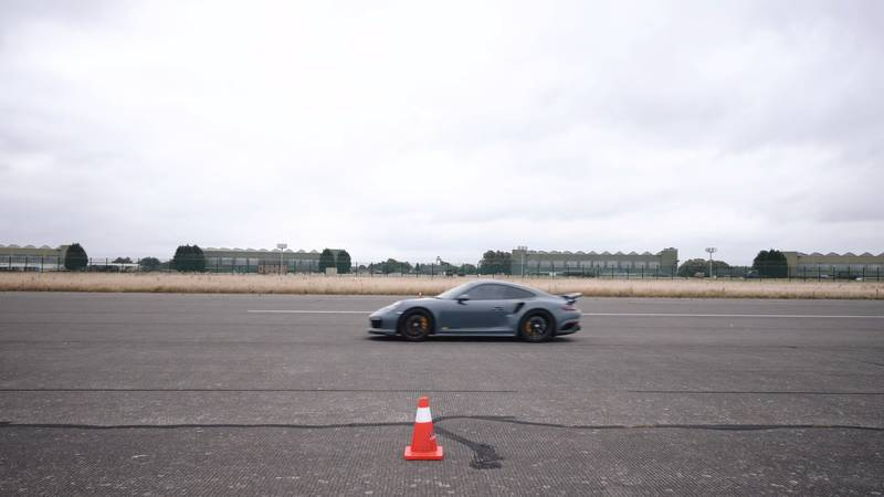 Watch A McLaren 720S Get Spanked By A Kawasaki Superbike And A Porsche 911 Turbo S - image 1020478