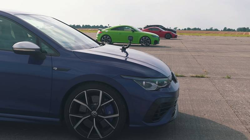 Watch The Lamborghini Urus Fight It Out Against The Audi TT-RS, The Porsche Cayman GT4, and The Volkswagen Golf R - image 1016736