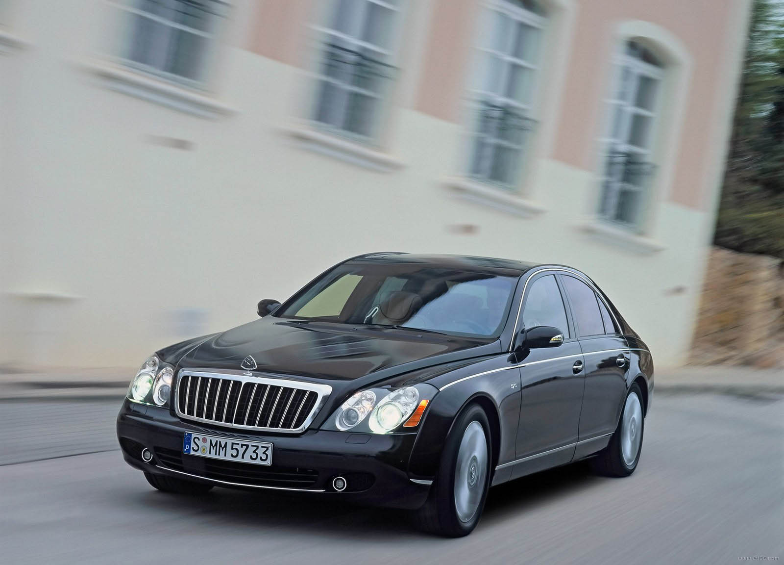 2005 maybach 57 s review top speed. Black Bedroom Furniture Sets. Home Design Ideas
