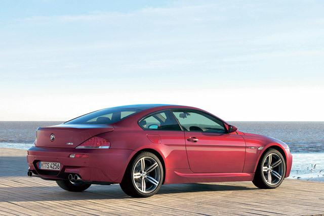 Superior 2007 BMW M6 Review   Top Speed. »