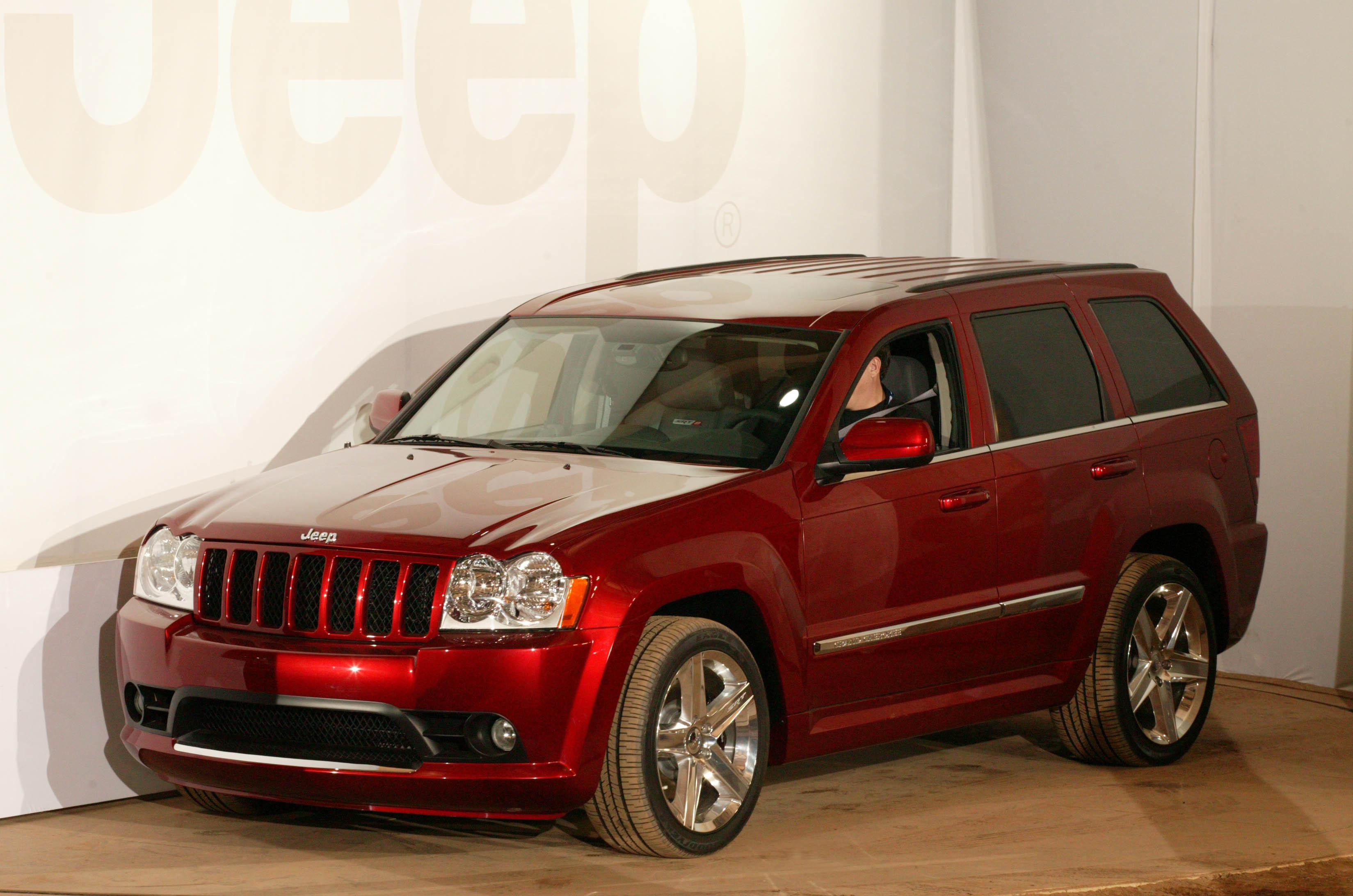 2007 jeep grand cherokee srt8 review - top speed