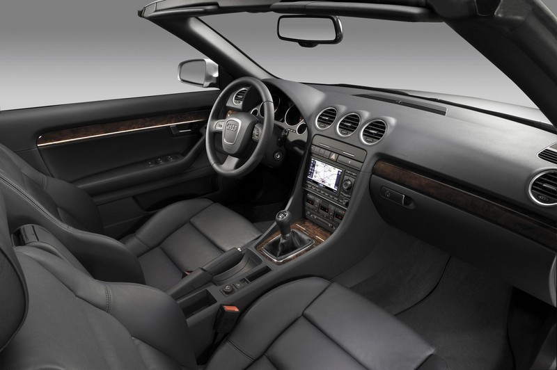 https://pictures.topspeed.com/IMG/jpg/200604/2007-audi-a4-convertible-14.jpg