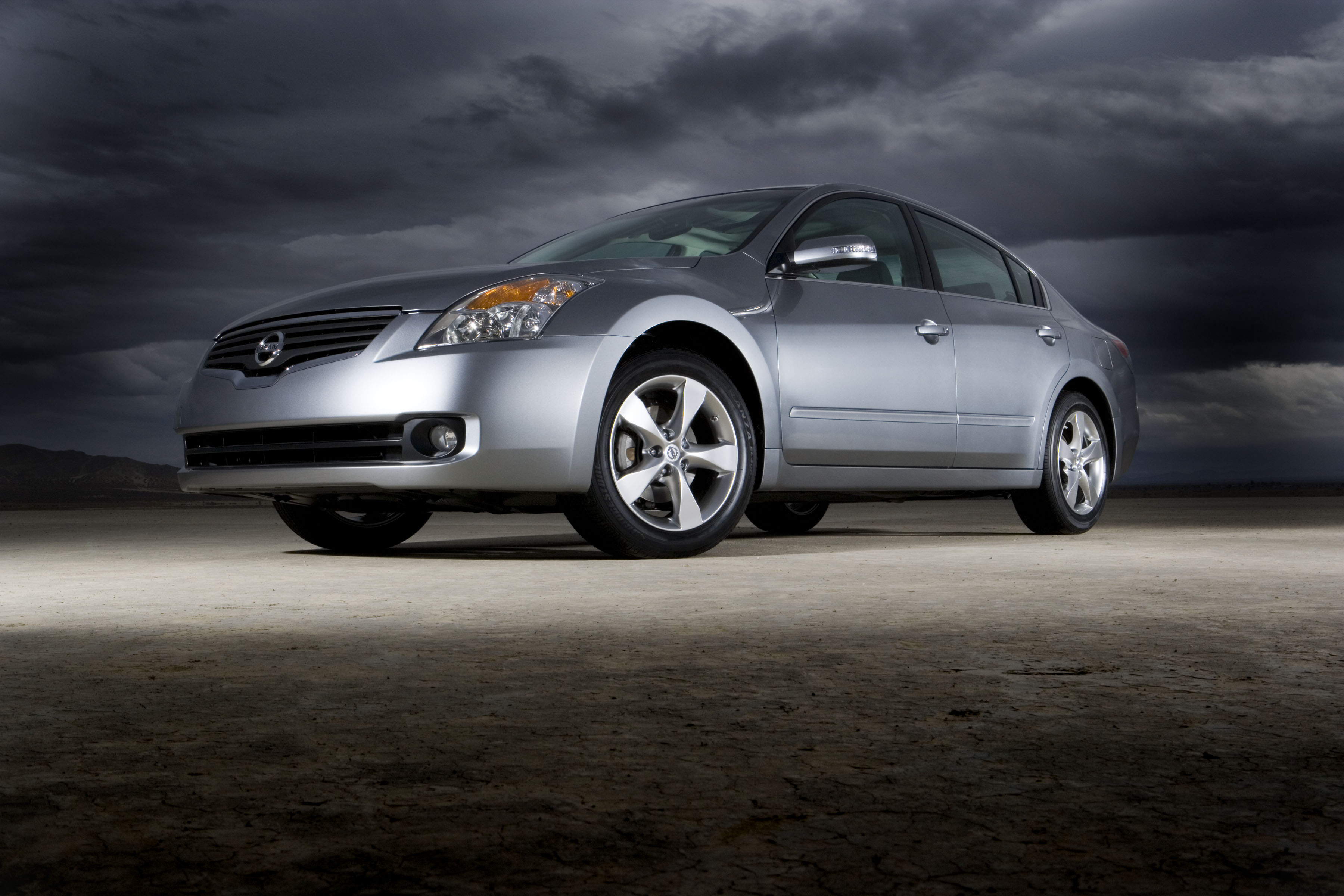 2007 nissan altima hybrid blends great performance style and fuel economy news top speed. Black Bedroom Furniture Sets. Home Design Ideas