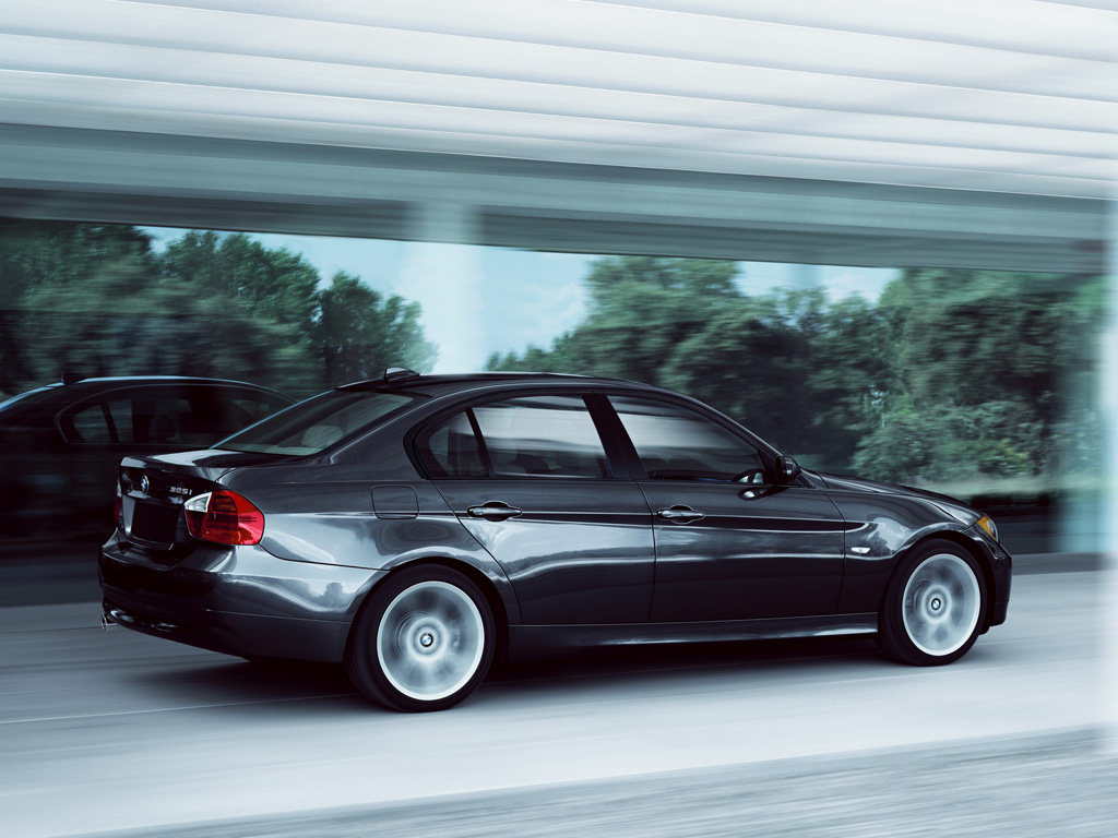 2006 BMW 325i (E90) Review - Top Speed