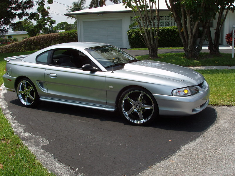 1964 2006 ford mustang history review top speed. Black Bedroom Furniture Sets. Home Design Ideas