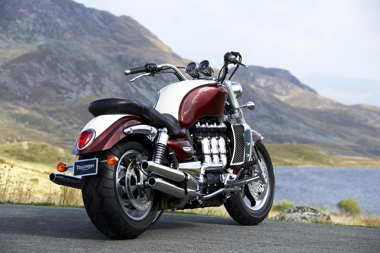 2006 Triumph Rocket III Classic Review - Top Speed