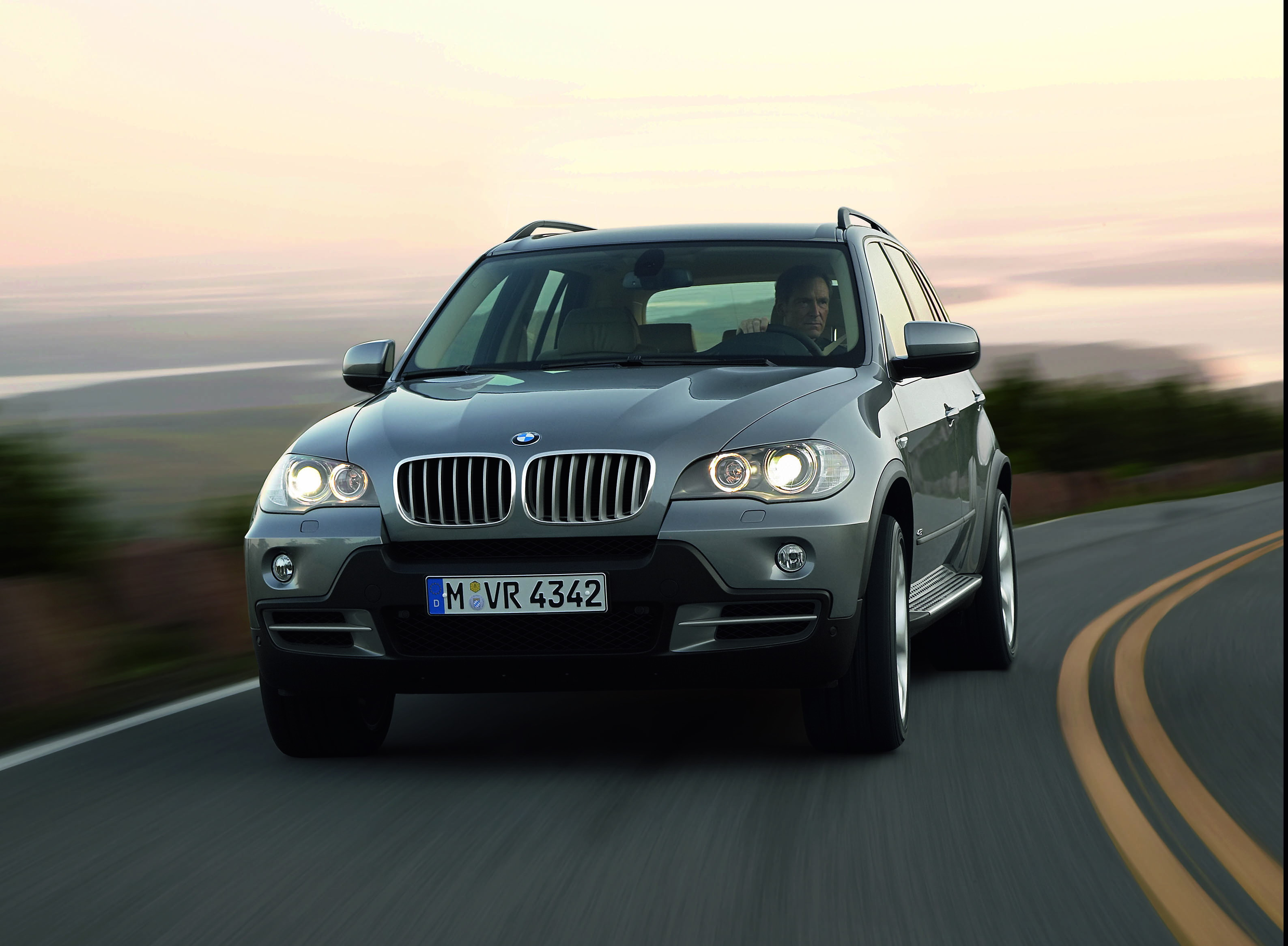 2007 bmw x5 prices announced top speed. Black Bedroom Furniture Sets. Home Design Ideas