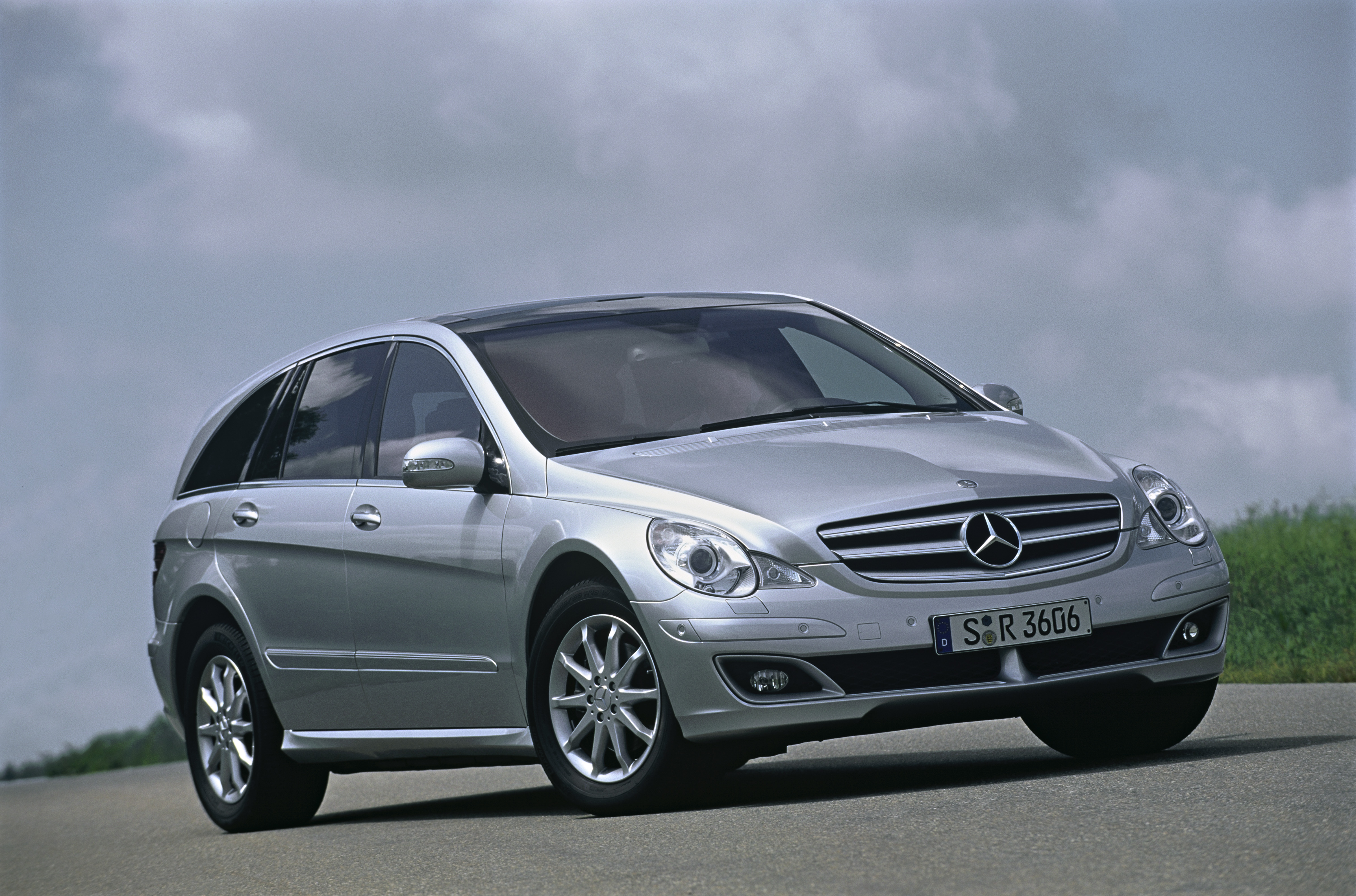 2007 mercedes r class review top speed. Black Bedroom Furniture Sets. Home Design Ideas