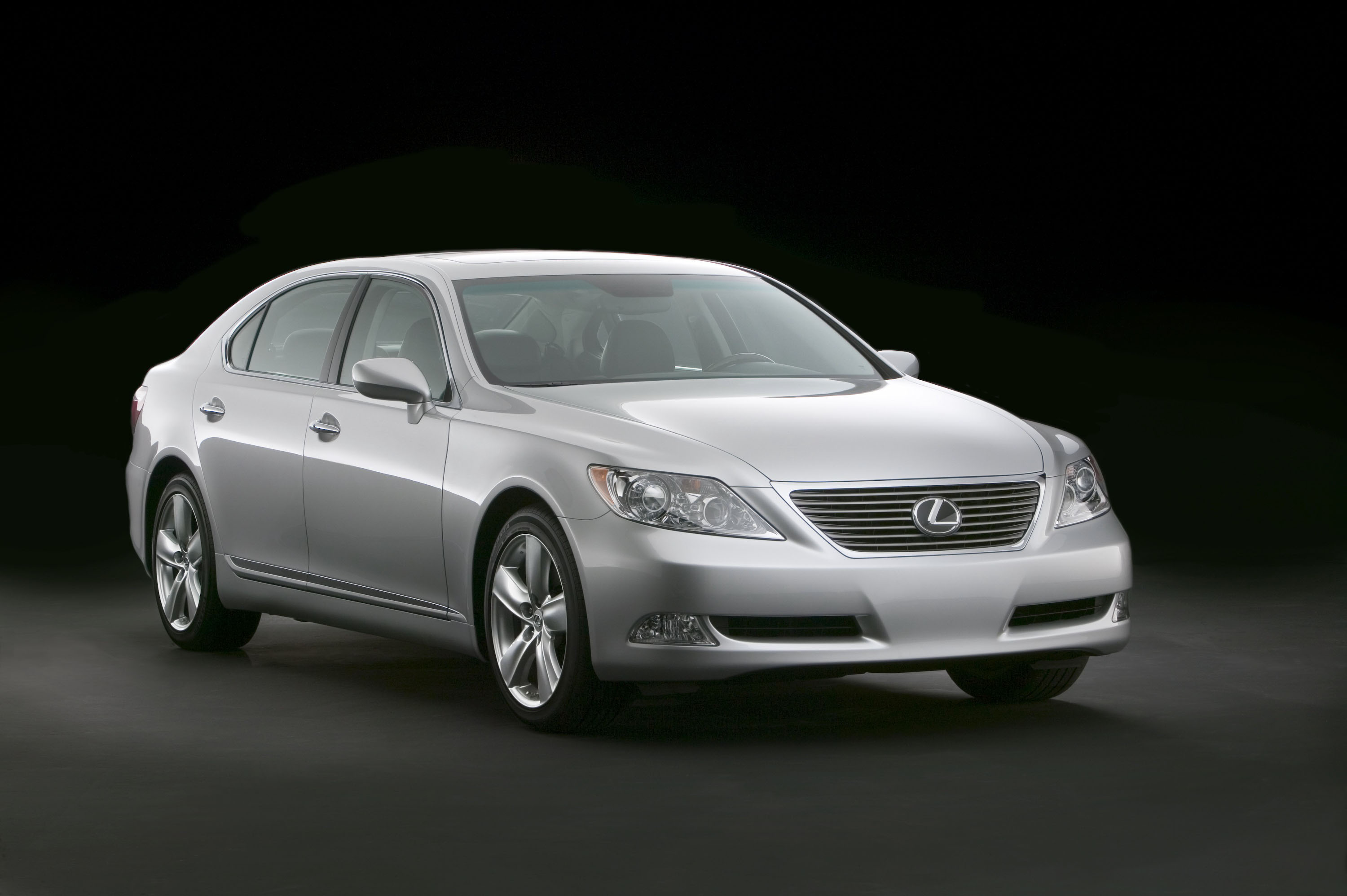 lexus ls 460 and 460l on sale starting october top speed. Black Bedroom Furniture Sets. Home Design Ideas