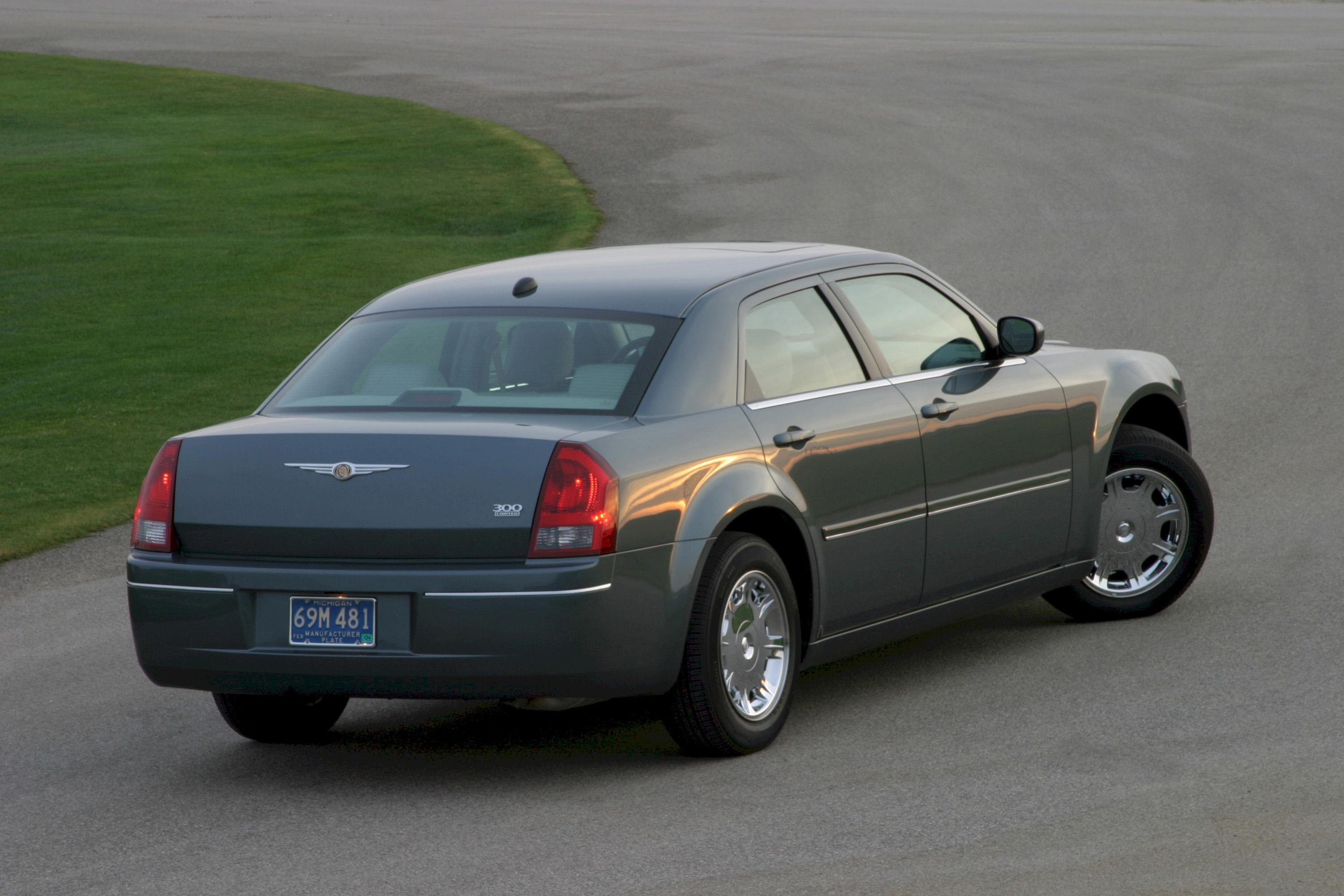 2005 chrysler 300c review top speed. Black Bedroom Furniture Sets. Home Design Ideas