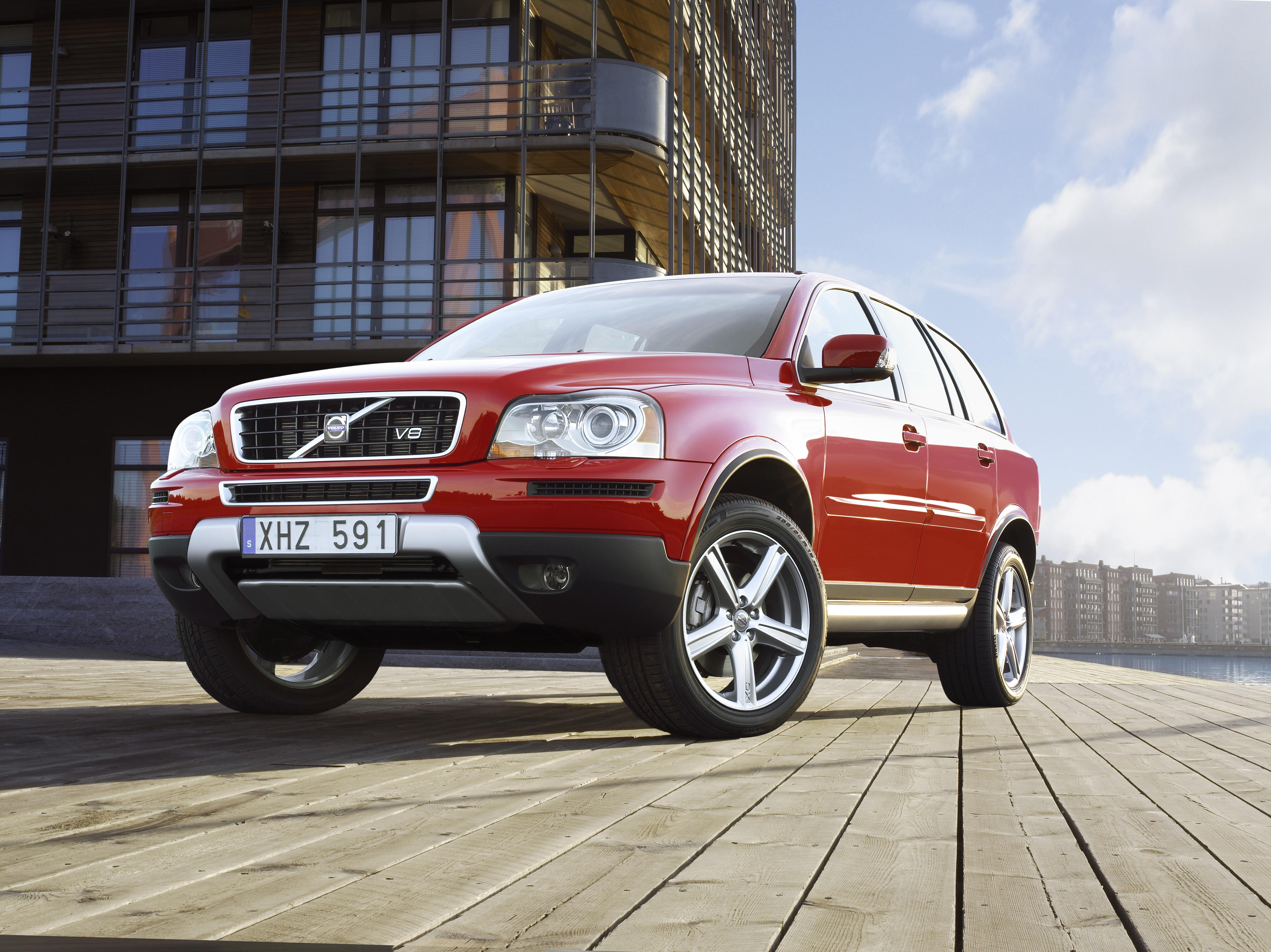 road suv driving review test hybrid reviews price volvo