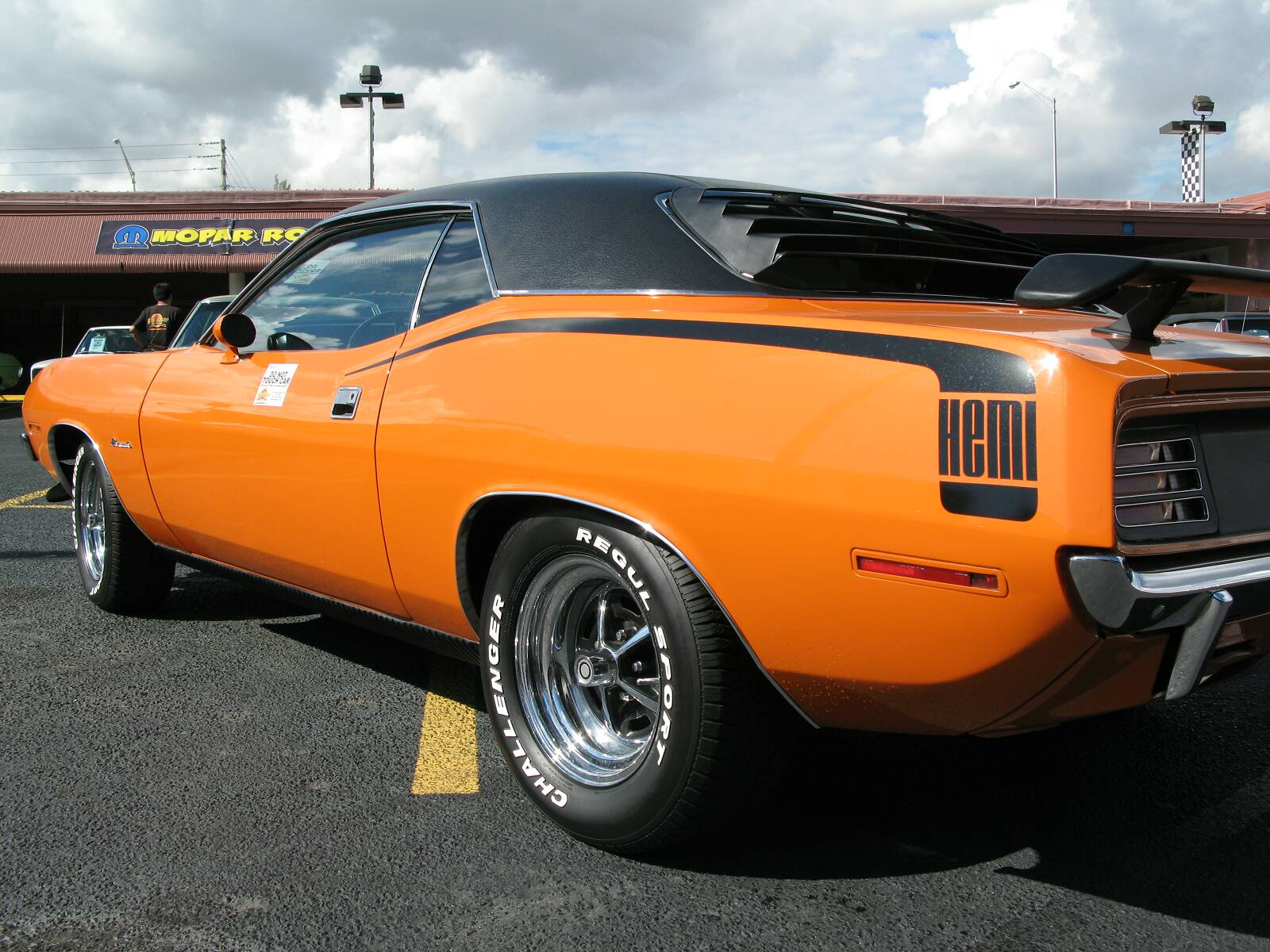 Plymouth Hemi Cuda on Muscle Cars With Hemi Engines
