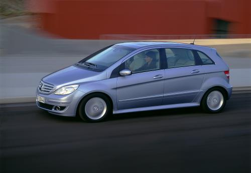 2005 mercedes b class review top speed. Black Bedroom Furniture Sets. Home Design Ideas