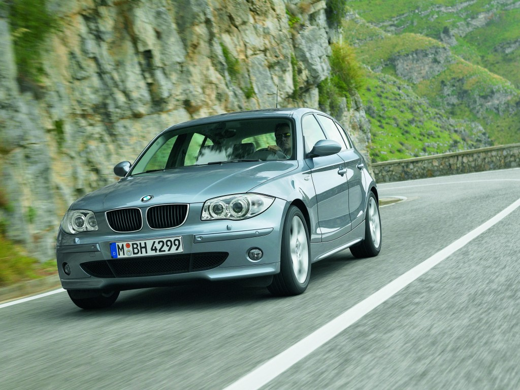 bmw one series ready for us launch pictures photos wallpapers top speed. Black Bedroom Furniture Sets. Home Design Ideas