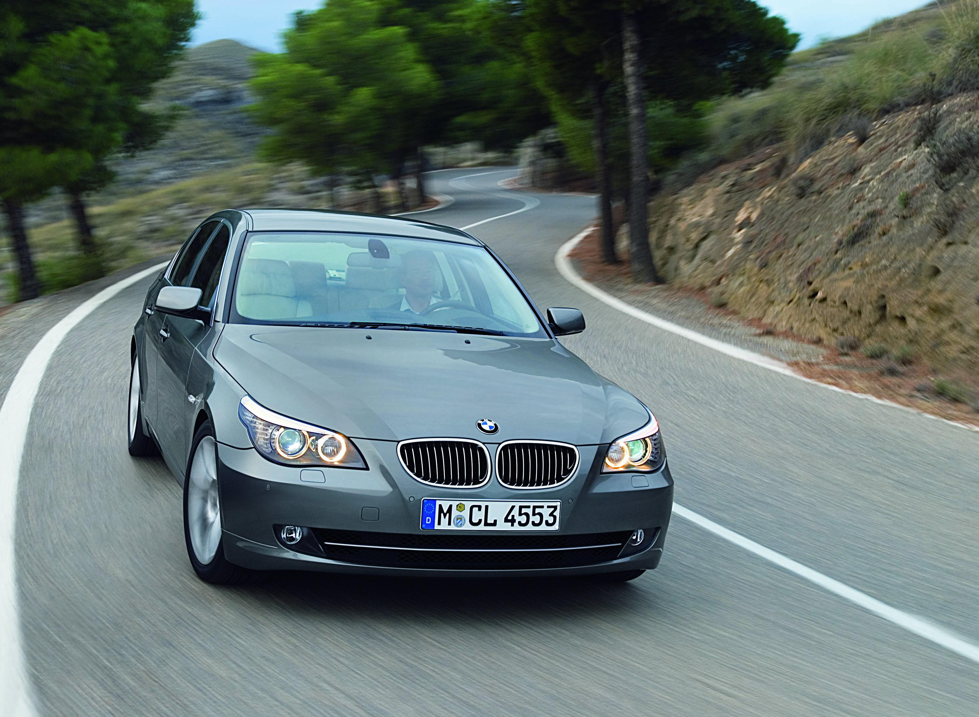 BMW 5 Series: For 520i and 528i: Check oil level