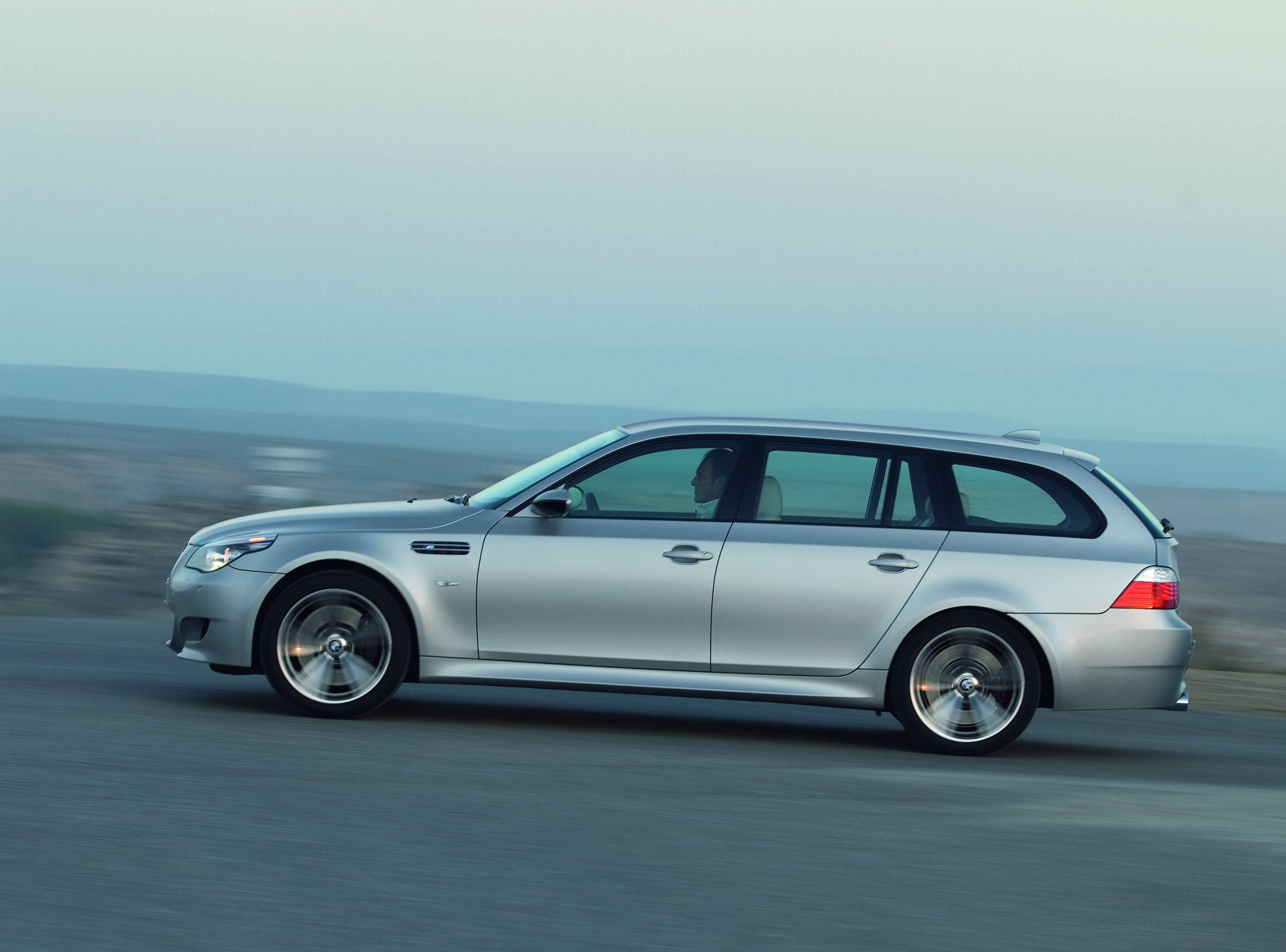 2008 BMW M5 Touring Review - Top Speed