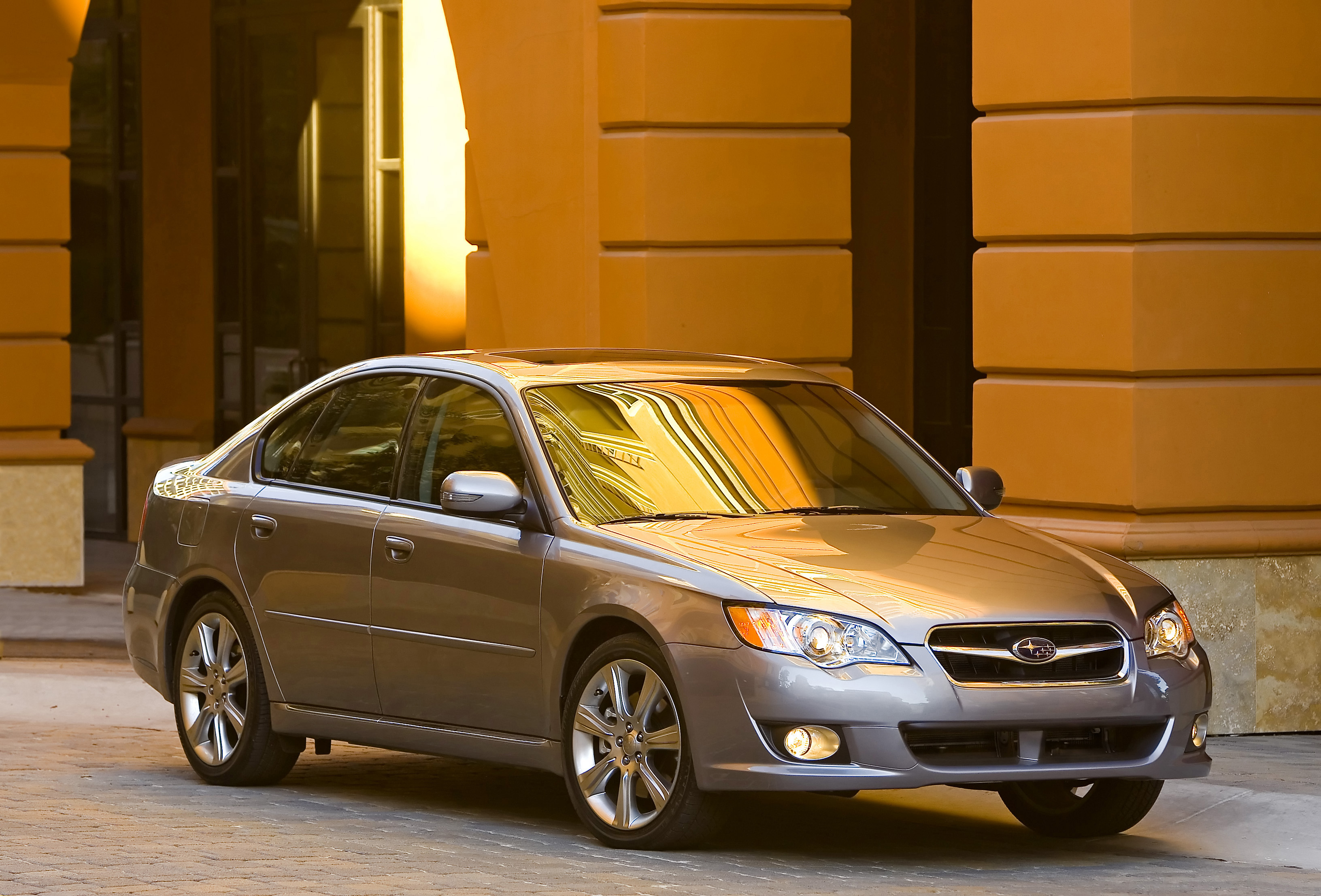 Subaru Legacy: Recommended shifting speeds