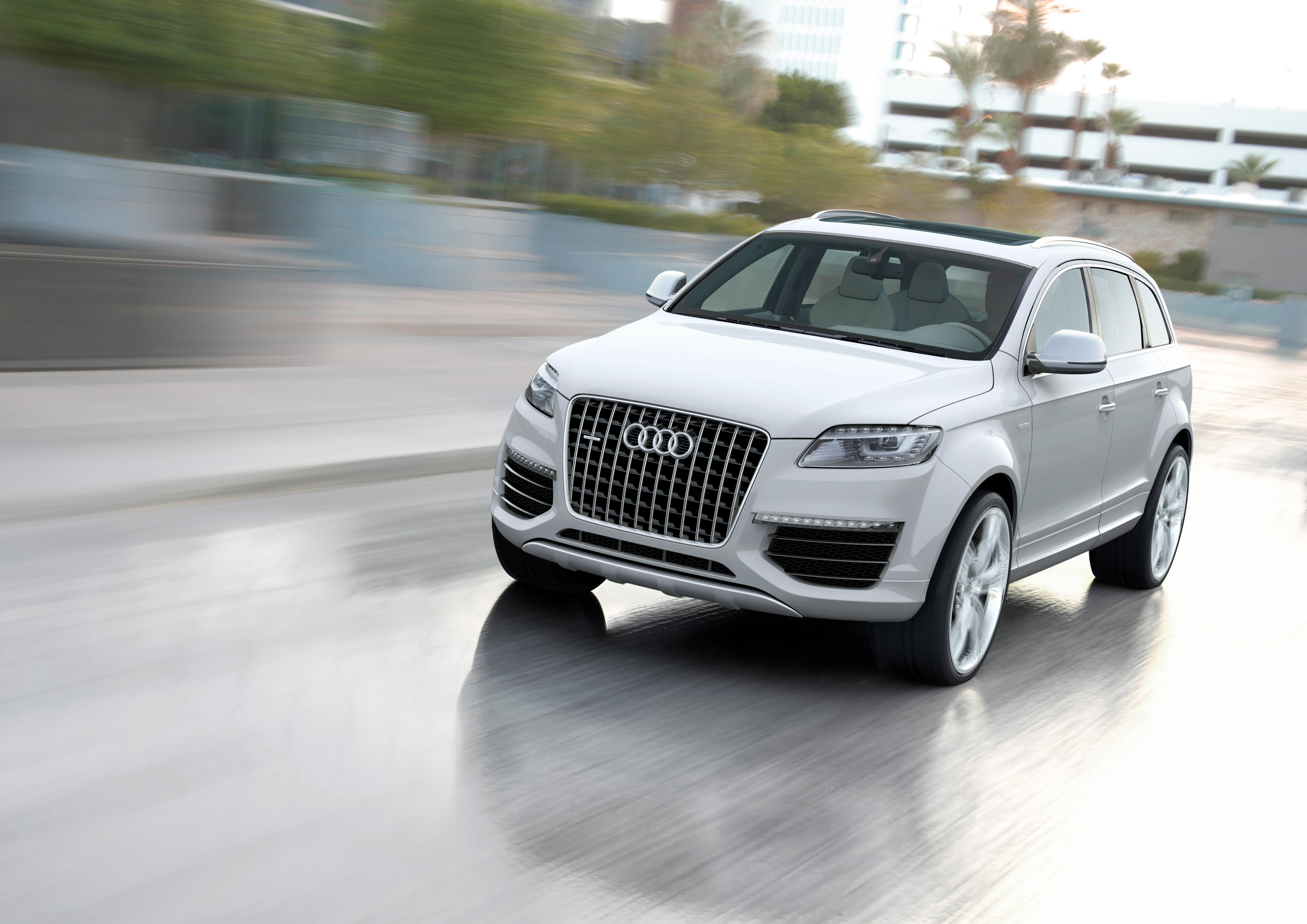 audi q7 hybrid and diesel on the way news top speed. Black Bedroom Furniture Sets. Home Design Ideas